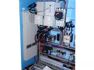 加工機の制御盤