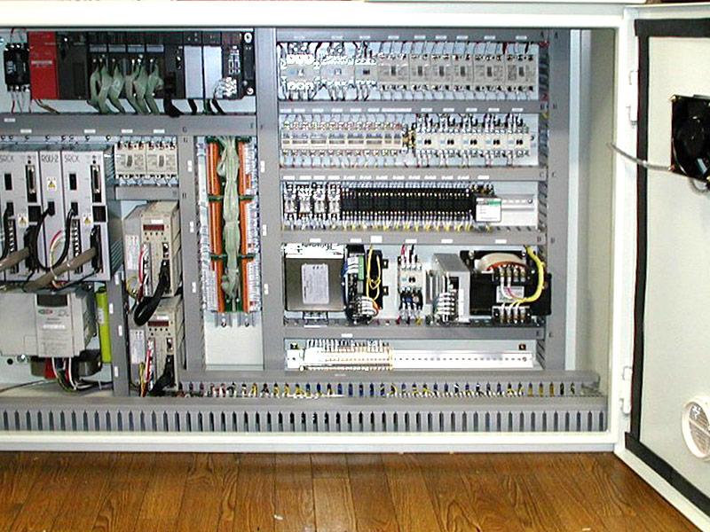 自動加工機の制御盤